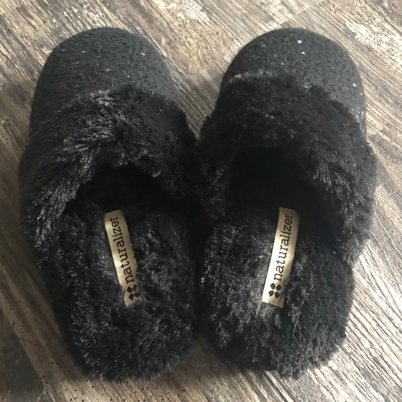 M 78 Black Naturalizer Sparkly Slippers